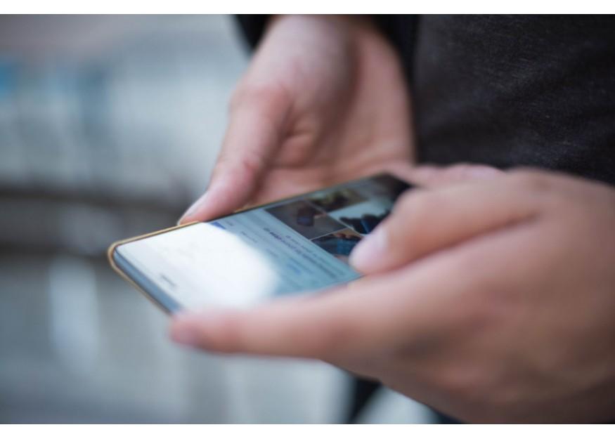 Predaje smartfónov klesajú, ale aj napriek tomu alternatívni výrobcovia odkláňajúci sa od mainstreamu rastú